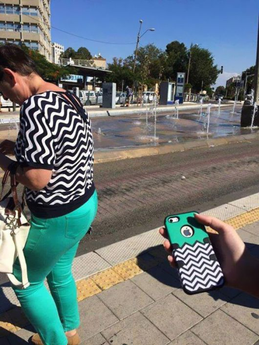Some People Who Accidentally Dressed Like Their Surroundings
