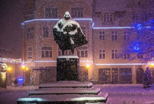 Awesome Polish Statue Looks Like Darth Vader After A Snowy Day