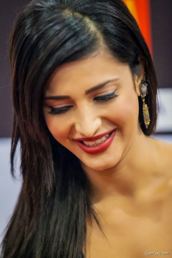 Gorgeous Shruti Haasan At SIIMA Awards