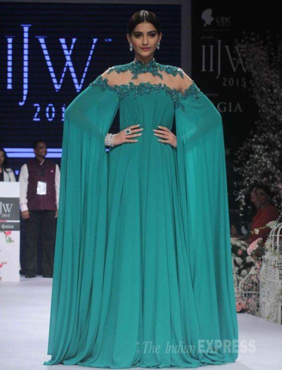 Sonam Kapoor Is An Emerald Queen At IIJW
