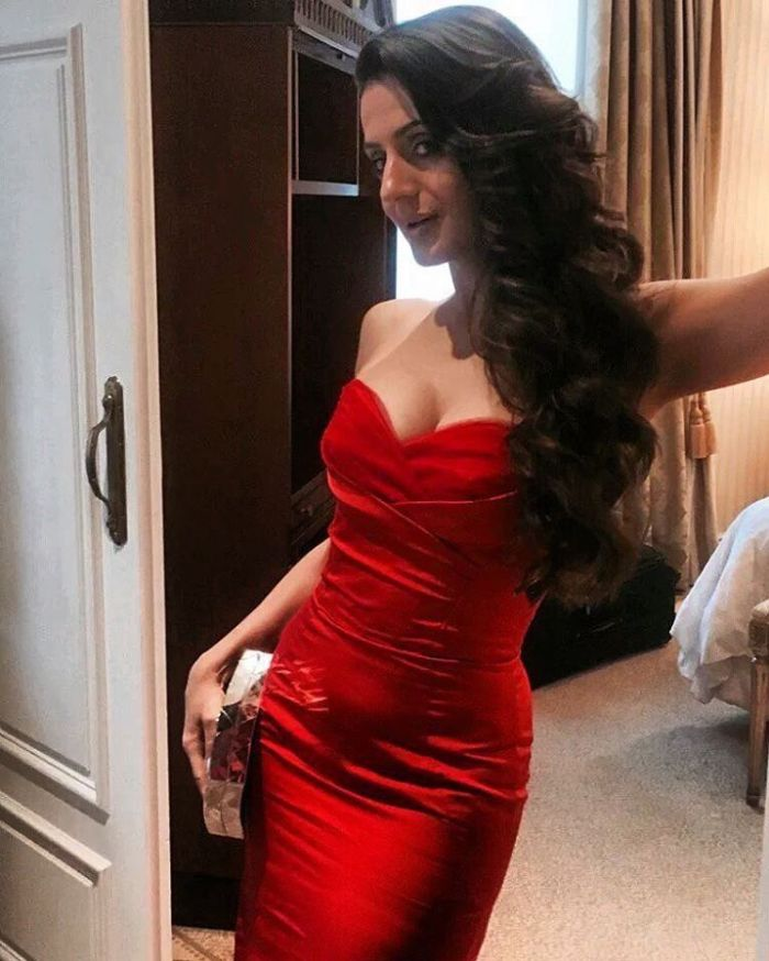 Red Rose Ameesha At IIFA Awards At Madrid