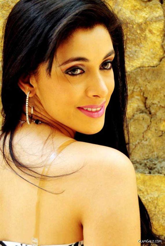 Telugu Actress Mansi Dovhal